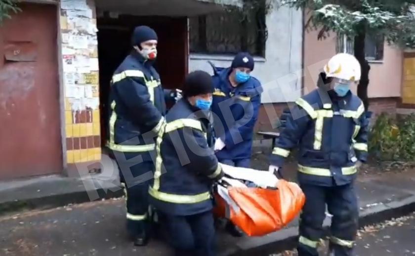 В Каменском спасатели помогли человеку с инфарктом