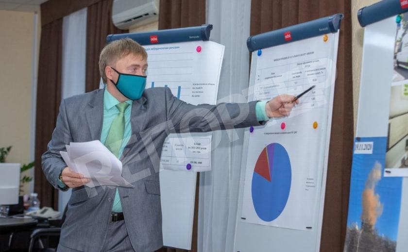 В Каменском руководство ДМК обещает мэру улучшить экологию