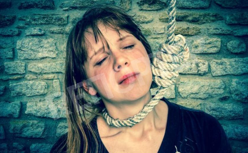 В Каменском за выходные две женщины свели счеты с жизнью
