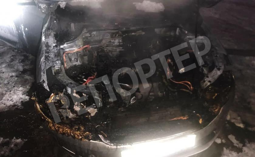В Каменском под утро сгорела машина