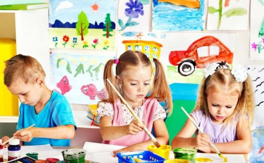 В Каменском начался прием работ на конкурс детского творчества