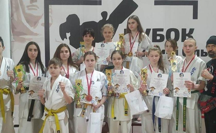 Поздравляем! Каратисты из Каменского привезли комплект медалей из Киевской области ФОТО