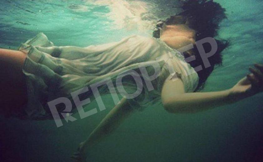Под Днепром убили и утопили в реке женщину, привязав к ногам кусок застывшего бетона