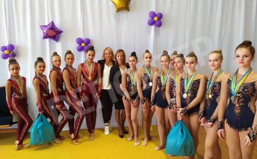 Юные каменские гимнастки победили на чемпионате Украины